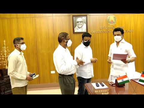 Ekam | Sun News | YouThink International Foundation  Founder and secretary of the Lokaa Foundation Dr.K.Abdul Ghani, handed over 1.5 crore worth Covid Safety Kits to Chief Minister M.K. Stalin